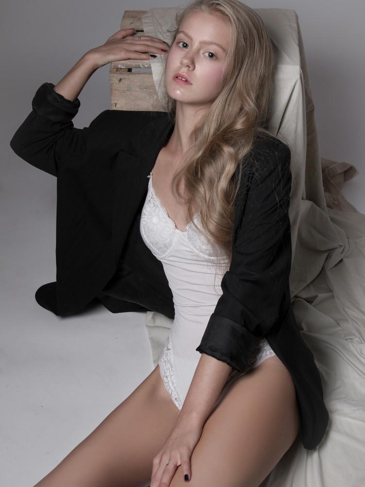 Anna G Gz Quest Artists Amp Models