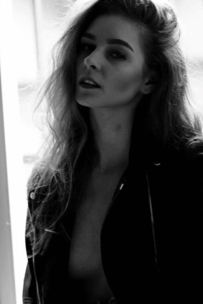 Dominika CgzQuest Models Artistsamp; CgzQuest Dominika rCsdBQthx